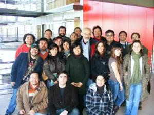 Alumnos de Periodismo Digital con Francis Pisani en Chile
